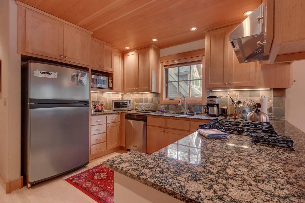 Tahoe Downstairs Kitchen